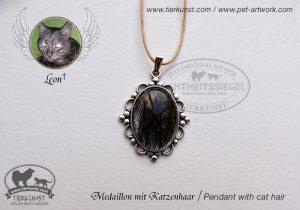 22 Medaillon oval mit Katzenhaaren