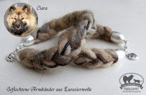 06 Geflochtenes Armband aus Hundewolle mit Lederbändern