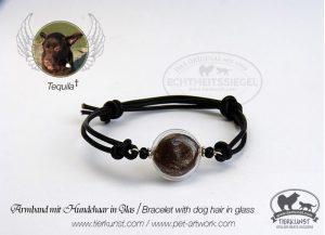 03 Armband mit Glashohlperlen mit Tierhaar