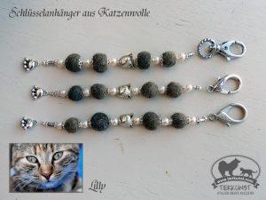 29 Schlüsselanhänger aus Katzenwolle