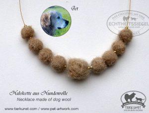 12 Halskette aus Hundewolle