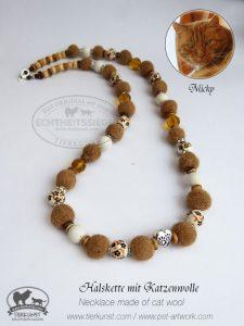 09 Halskette aus Katzenwolle