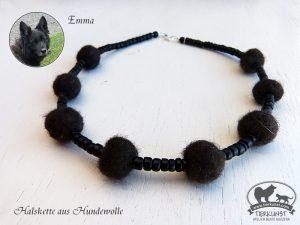 16 Halskette aus Hundewolle