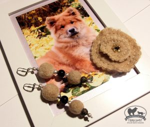 09 Blütenbrosche Eurasierwolle