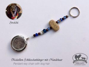 18 Schlüsselanhänger Medaillon mit Hundehaar