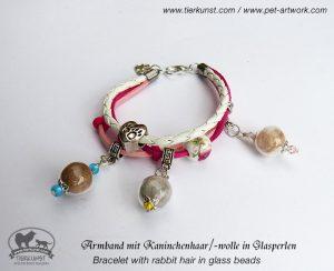 08 Armband mit Glashohlperlen mit Kaninchenhaar
