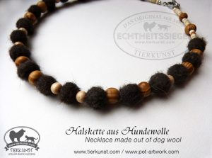 11 Halskette aus Hundewolle