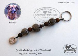 23 Schlüsselanhänger aus Hundewolle
