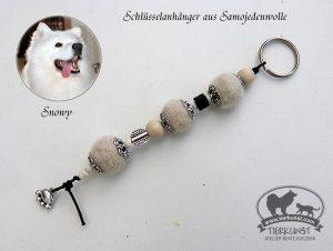 41 Schlüsselanhänger aus Hundewolle